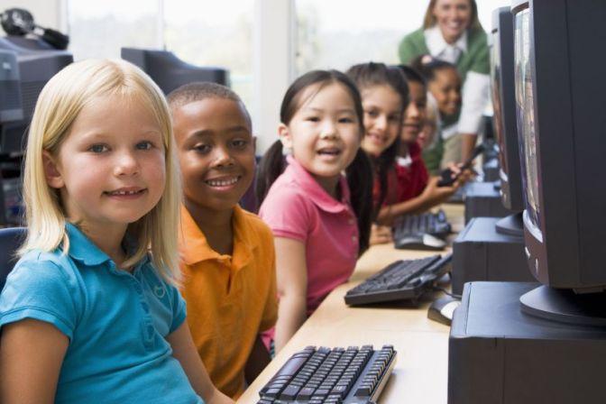 Kid-computer-coding